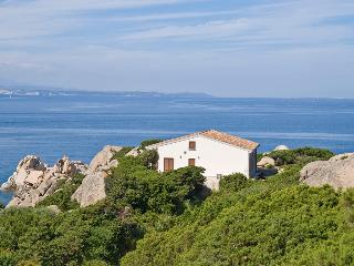 Comfortable 3 bedroom Villa in Santa Teresa di Gallura - Santa Teresa di Gallura vacation rentals
