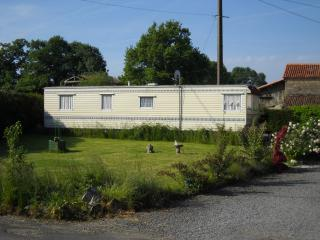 3 Bedroom Static Mobile Home For Holiday Let - Poitou-Charentes vacation rentals