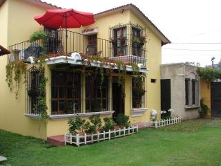 Comfortable-Furnished 4 bedroom house in Antigua - Antigua Guatemala vacation rentals