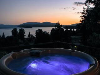 Hope Idaho Lake View Home with Hot Tub! - Sandpoint vacation rentals