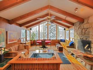 Chez Louisa - Ski in/out with hot tub and sauna - Brighton vacation rentals