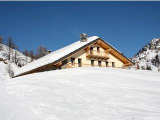 Lovely Condo with Dishwasher and Fireplace - Courmayeur vacation rentals