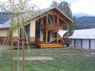 Beautiful villa in the Southern Alps, magnificent panorama and plenty of summer and winter activities - Gap vacation rentals
