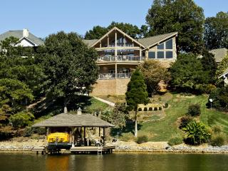 $2Million Estate Right on Tellico Lake Boat dock - Loudon vacation rentals