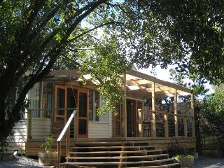 Cozy 1 bedroom Vacation Rental in Healesville - Healesville vacation rentals