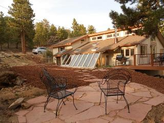 5 Star, Private,Western Lodge in Coal Creek Canyon - Golden vacation rentals