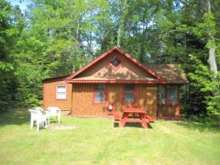 Kathan Inn & Resort - Tuckaway (seasonal cabin) - Eagle River vacation rentals