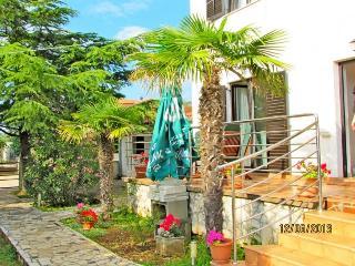 Apartment 2+2, Peroj, 800 m to the beach, - Vodnjan vacation rentals
