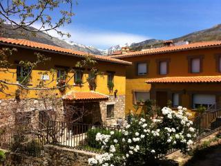 Casa rural - Guijo de Santa Bárbara vacation rentals