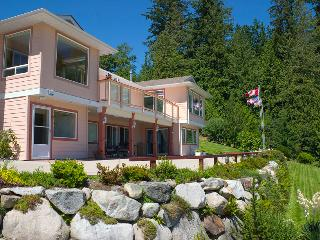 Ocean Ridge Retreat B&B - Gold Star Pampering - Gibsons vacation rentals