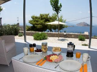 Spiti Aeginitissa - beautiful sea views - Aegina vacation rentals