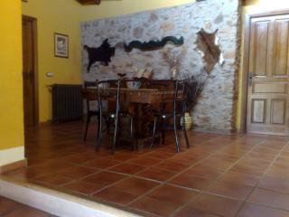 Cozy 2 bedroom Condo in Canamero - Canamero vacation rentals
