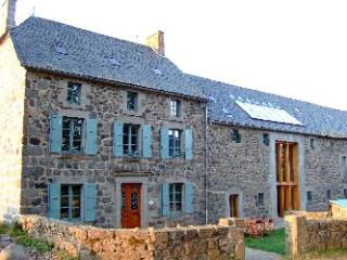Holiday House France, Pool, Games Room sleeps 14+ - Auvergne vacation rentals