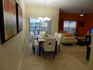 Best Lakeside Villa at Paradise Palms in Kissimmee - Kissimmee vacation rentals