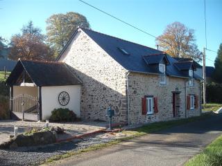 Le Cerisier - Gite Normandy/Mayenne border - Orvault vacation rentals