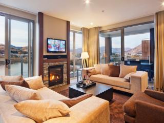 VillageQueenstown 6 bedroom lakeside Apartments - Queenstown vacation rentals
