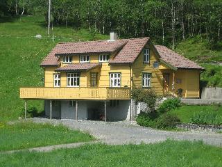 Fossheim Feriehus - Solvorn vacation rentals