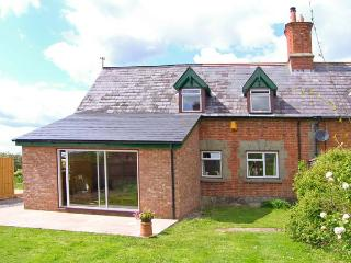 MOTCOMBE NURSERY, pet-friendly, AGA, off road parking, in Motcombe, Ref 16149 - Motcombe vacation rentals