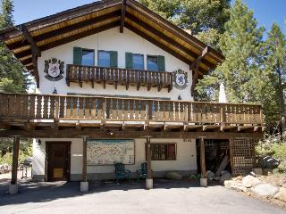 Charming alpine chalet with a private deck, blocks from trails and Lake Tahoe! - Tahoe City vacation rentals