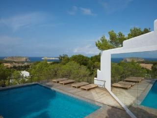 Perfect 6 bedroom House in Ibiza with Private Outdoor Pool - Ibiza vacation rentals