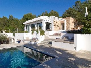 6 bedroom House with Private Outdoor Pool in Cala Tarida - Cala Tarida vacation rentals