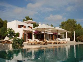 Perfect 6 bedroom House in Sant Josep De Sa Talaia with Private Outdoor Pool - Sant Josep De Sa Talaia vacation rentals