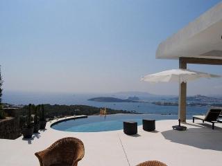 Bright 4 bedroom Villa in Ibiza Town - Ibiza Town vacation rentals