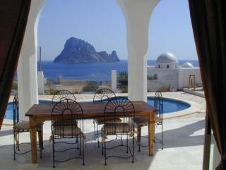 4 bedroom House with Private Outdoor Pool in Cala Carbo - Cala Carbo vacation rentals