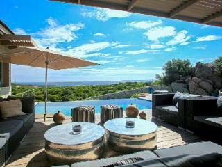 Close to Beach & Golf Course! Exclusive Villa des Iles with Private Chef, Pool, Helipad & Sea Views - Bonifacio vacation rentals
