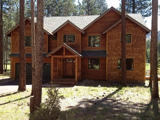 Beautiful executive compound that backs to the golf course!- Four night min - South Lake Tahoe vacation rentals