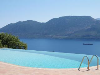 Mani house - Ktima Kriviana - Gythion vacation rentals