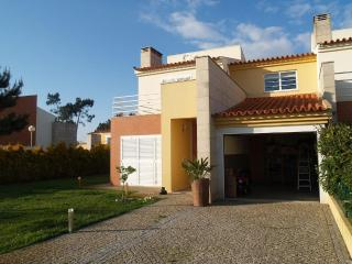Luxurious house located in a quiet zone, 700 meters from the beach - Centro Region vacation rentals