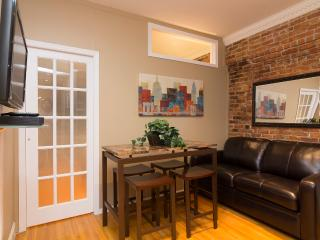 Sleeps 3! 1 Bed/1 Bath Apartment, Upper East Side, Awesome! (8389) - New York City vacation rentals
