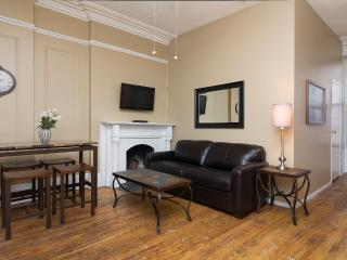Sleeps 5! 2 Bed/1 Bath Apartment, Times Square, Awesome! (8413) - Manhattan vacation rentals