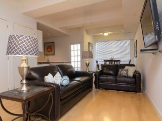 Sleeps 8! 3 Bed/2 Bath Apartment, Times Square, Awesome! (8451) - New York City vacation rentals
