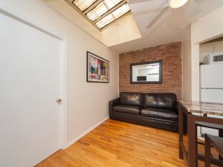 Sleeps 5! 2 Bed/1 Bath Apartment, , Awesome! (8488) - Manhattan vacation rentals