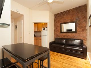 Sleeps 5! 2 Bed/1 Bath Apartment, , Awesome! (8489) - New York City vacation rentals