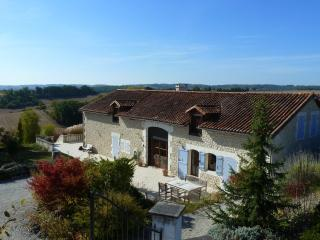 Luxury Holiday Home with pool for 2 upto 20 pers. - Aubeterre-sur-Dronne vacation rentals