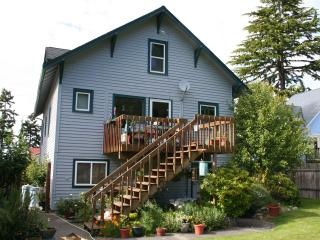 Two bedroom fully furnished apartment. - Mukilteo vacation rentals