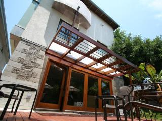 Zen Like Retreat - 2 Blocks to Beach! - Santa Monica vacation rentals