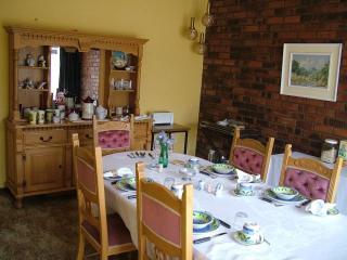 Bright 5 bedroom Vacation Rental in Roodepoort - Roodepoort vacation rentals