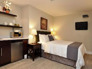 DuPont Circle-Adams Morgan, Parking, Kitchenette, Metro 3 blks - Washington DC vacation rentals