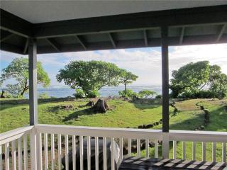 Hale Makai:BEACHFRONT Home, Air Conditioned BR's! - Anahola vacation rentals