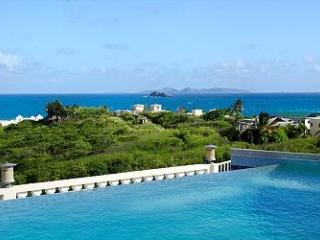 VILLA STAR... 3 BR in Red Pond Estates, breathtaking ocean views, St Maarten - Dawn Beach vacation rentals