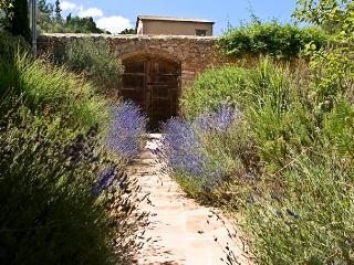El Garraf - Castellet i la Gornal vacation rentals