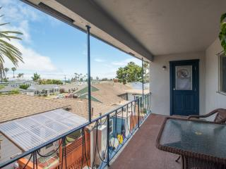 Pacific Beach Townhouse 2 Blks to Beach/Ocean View - San Diego County vacation rentals