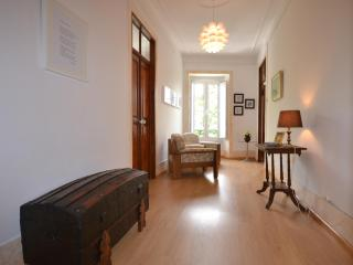 Adorable 4 bedroom Apartment in Castelo de Vide with Patio - Castelo de Vide vacation rentals
