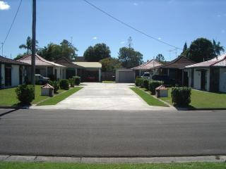 NOVOVILLA MAROOCHYDORE - Attractive Affordable. - Sunshine Coast vacation rentals