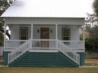 Family Friendly Cottage 9 Logan - Tybee Island vacation rentals