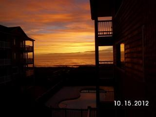 Oceanfront Complex-.2 Pools-Sleeps 4.-Wi-Fi.-Priva - Carolina Beach vacation rentals